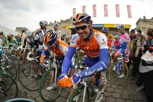 Mr Flecha, prior to shooting himself, Leif Hoste and wounding Pozzato.